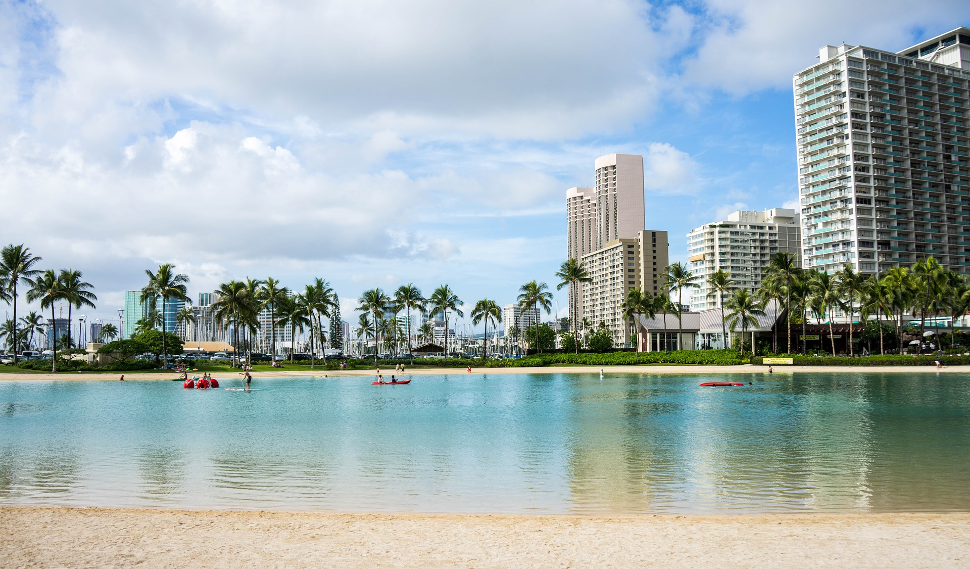 Waikiki Beach, Diamond Head, Honolulu, Hawaii