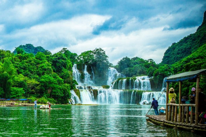 Ban Gioc–Detian Falls, border between China and Vietnam