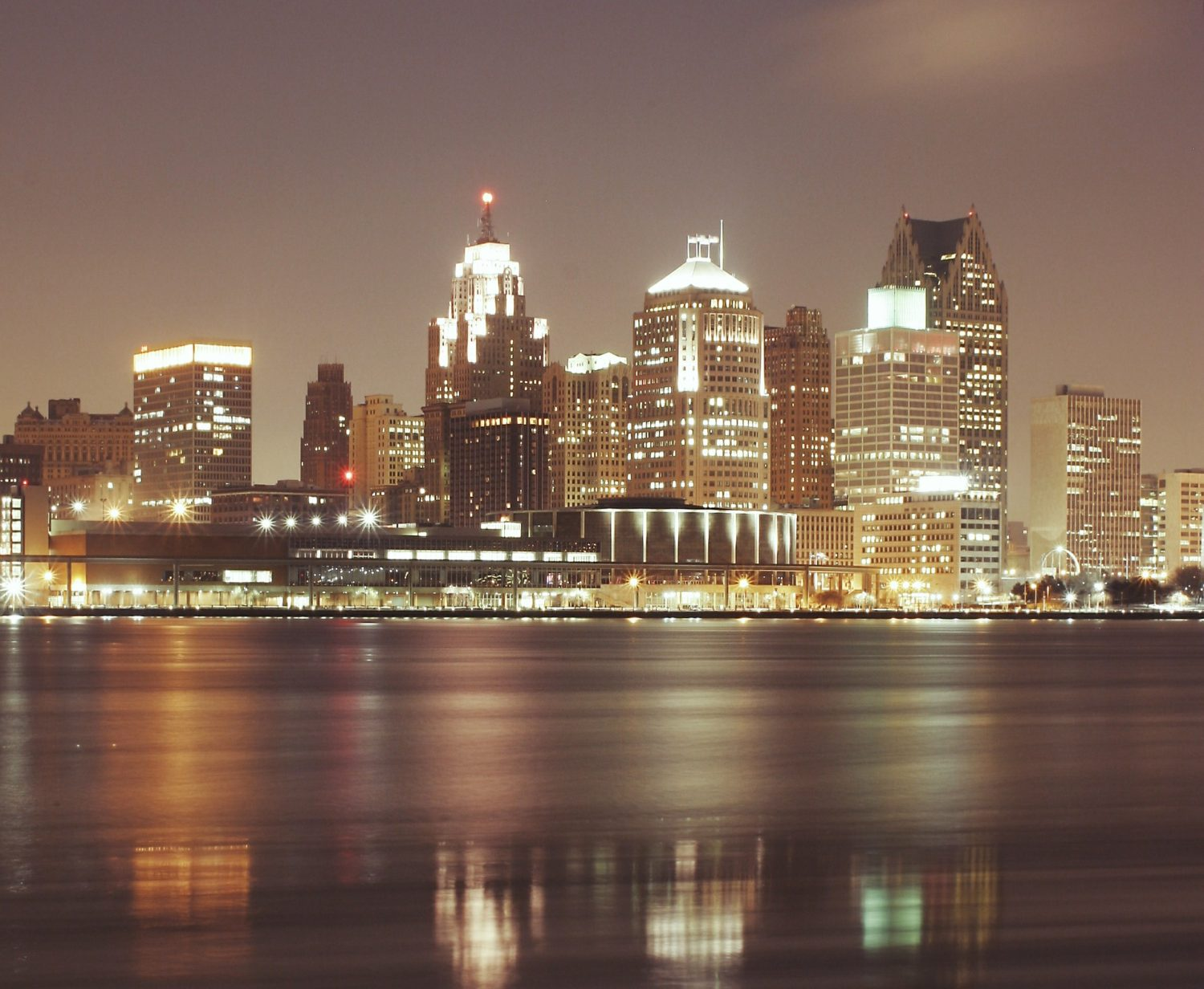 Detroit, Michigan skyline at night
