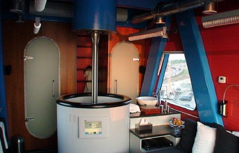 Inside the Harbour Crane, Dromen Aan Zee-Harlingen, Netherlands