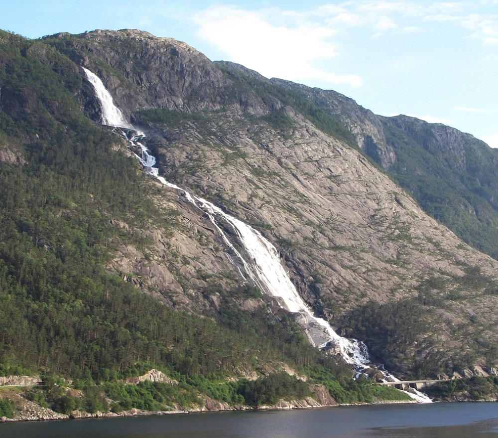 Langfossen, Norway