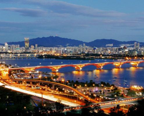 Seongsan Bridge and the Han River, Seoul, South Korea