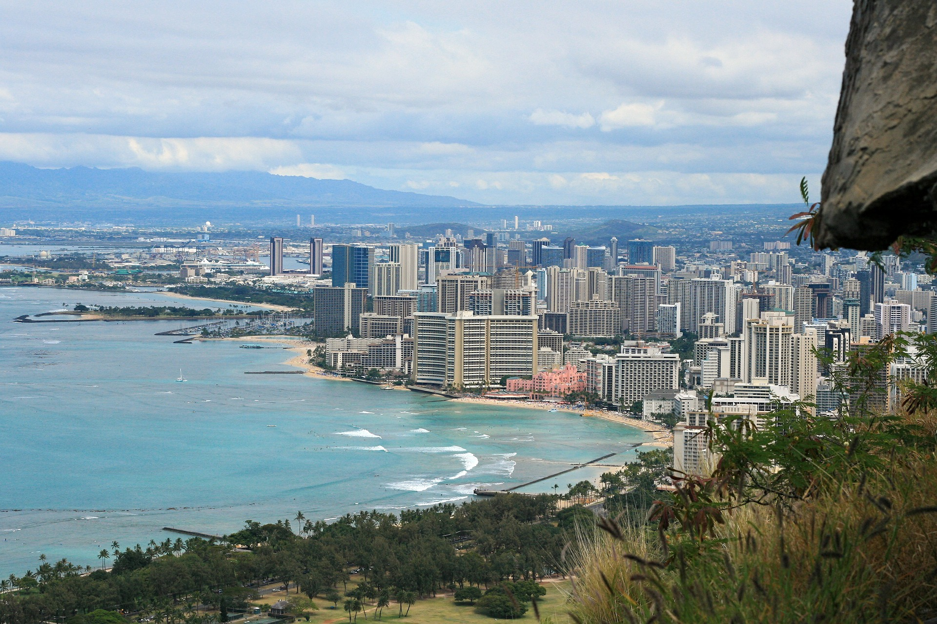 Waikiki Beach, Diamond Head, Honolulu, Hawaii, USA