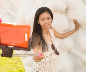 A 10-Step Beginner's Guide to Buying a Selfie Stick