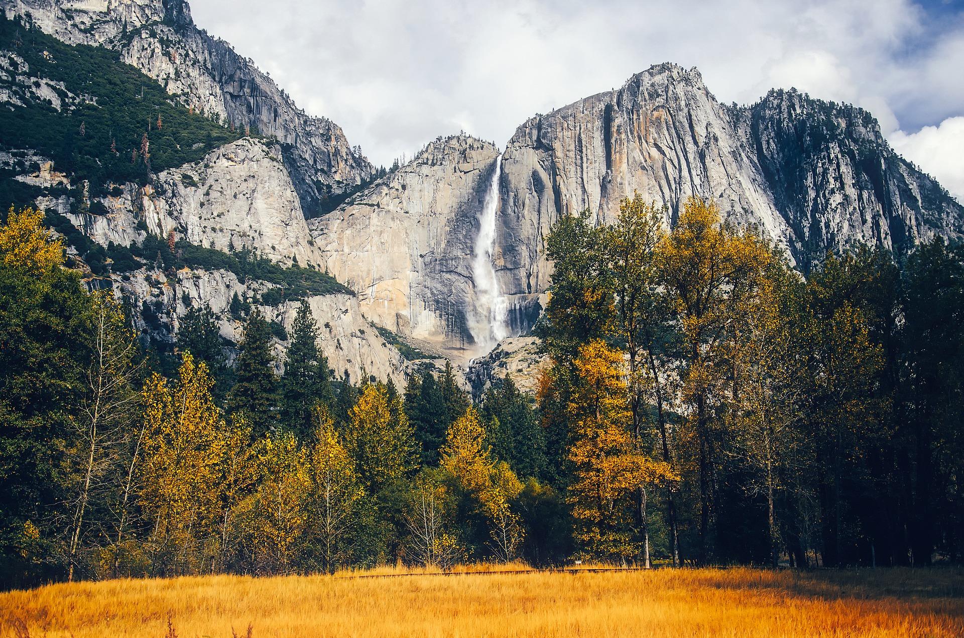 Yosemite Falls, Yosemite National Park in California, USA