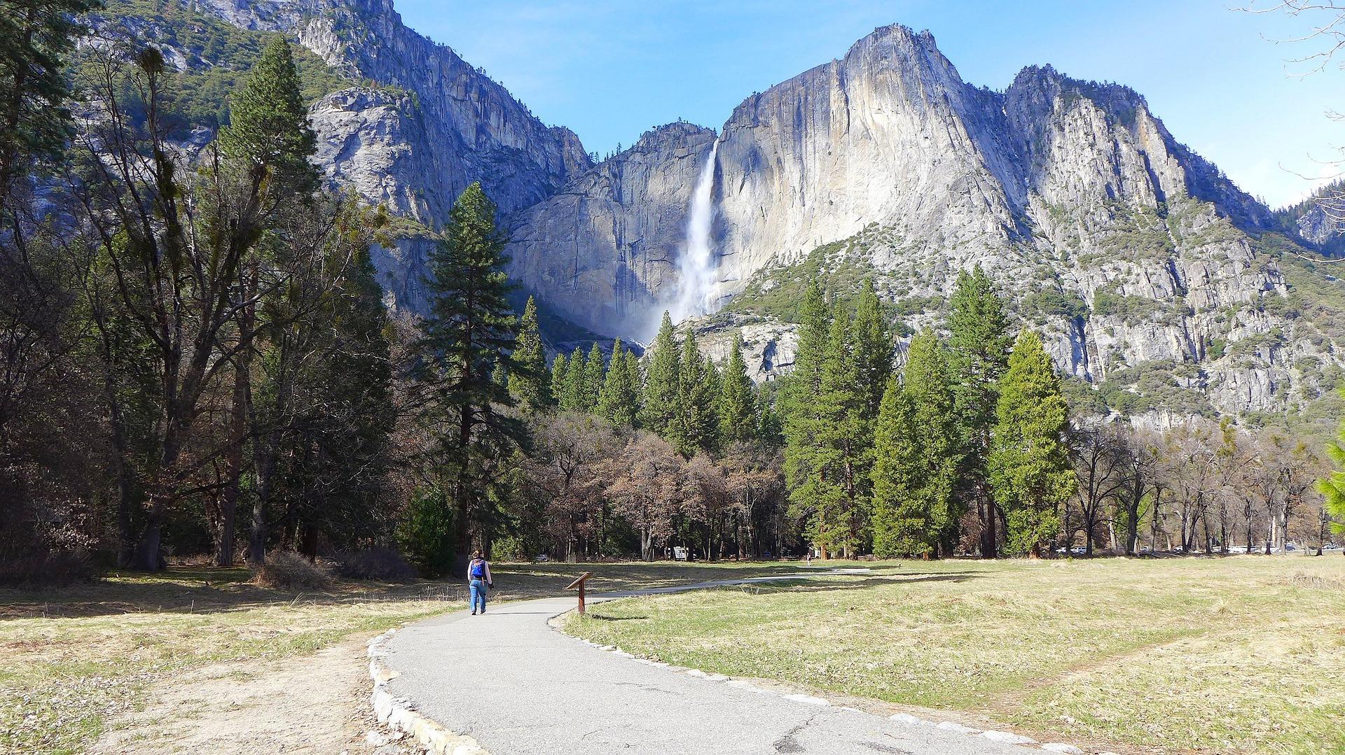 Yosemite Falls in Yosemite National Park in California, USA