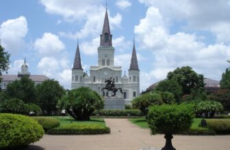 10 Amazing Attractions And Things To Do In New Orleans, LA