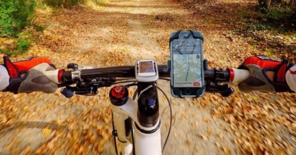 Roam Universal Premium Phone Mount For Bikes and Motorcycles