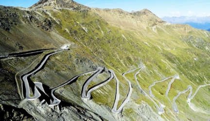 Top 10 Most Unusual Roads In The World